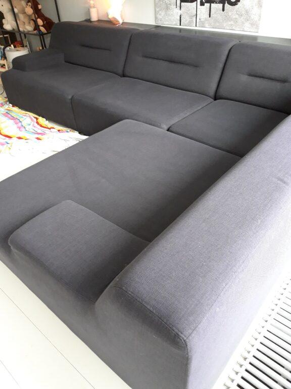 Gestoffeerde meubels reinigen in Den Haag